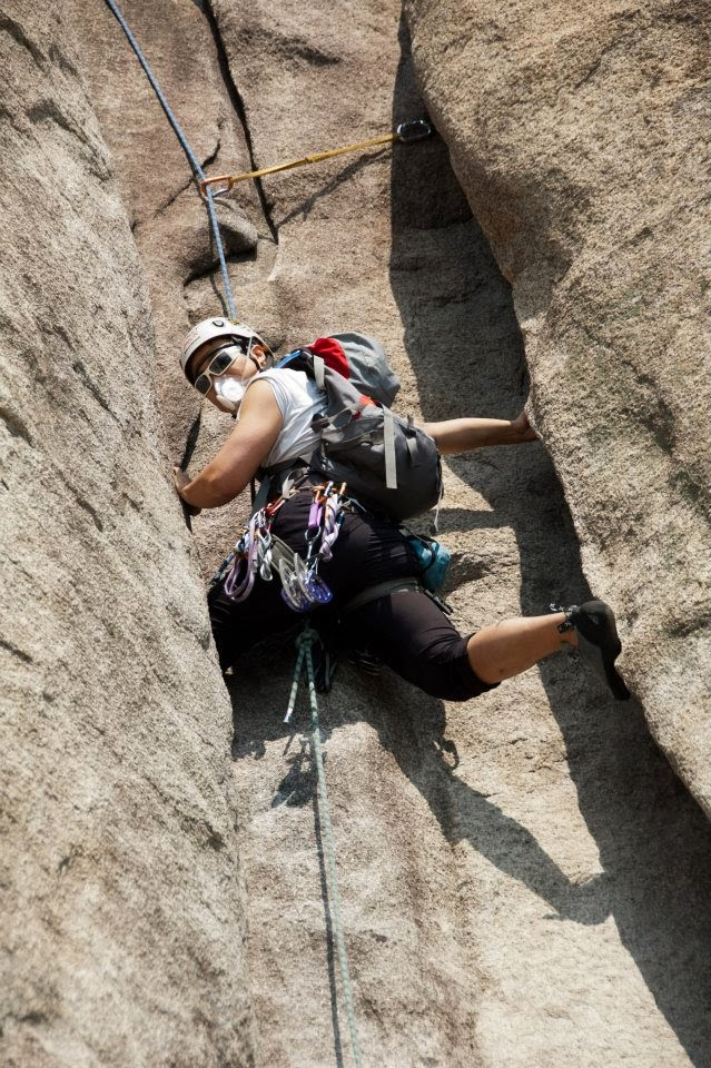 Climbing with Totobobo mask