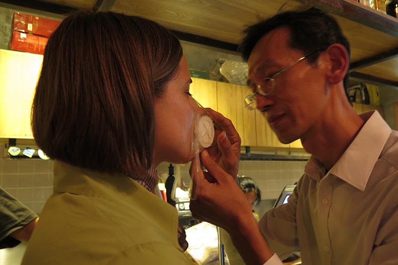 Barbara testing Totobobo mask